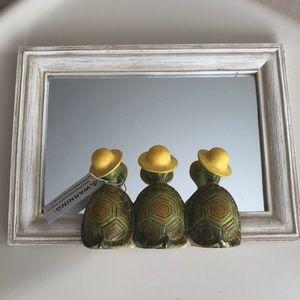 Mirror, frog decor